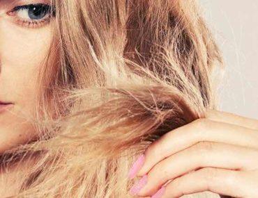 mulher com cabelo danificado
